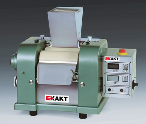 EXAKT 120S, three roll mill